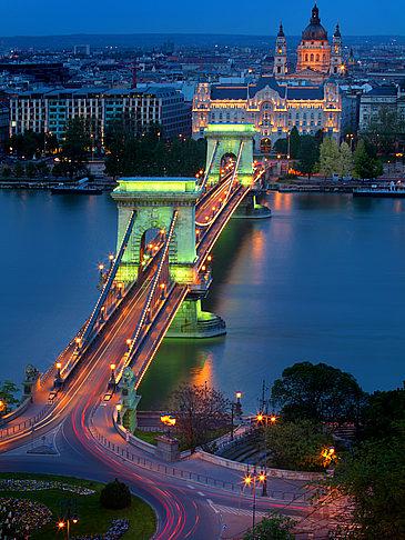 Reisef 252 Hrer Budapest Kettenbr 252 Cke Donau Geschichte Und
